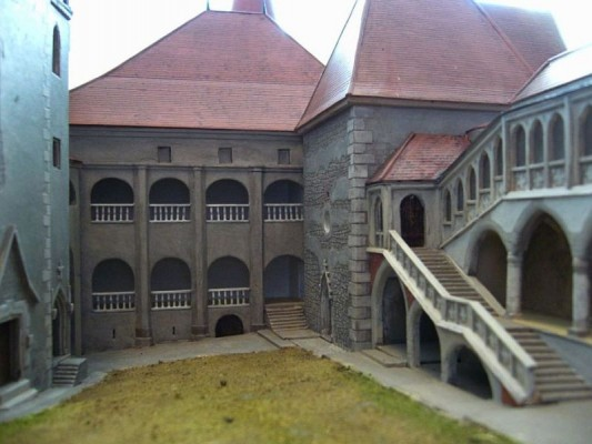 Huniad Castle Maquette images